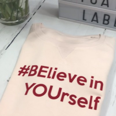 SOLDEN BElieve in YOUrself SWEATER MEDIUM FIT MAAT XL KLEUR ROZE valt gecentreerd